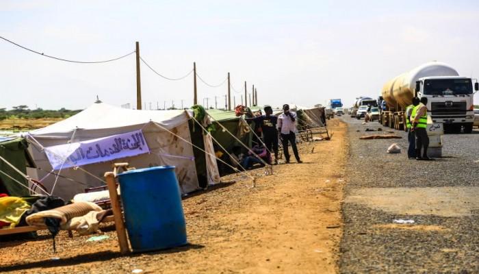 """السيول تهدّم 111 منزلا باليمن.. وعشرات الأسر السودانية تفترش """"الأسفلت"""""""