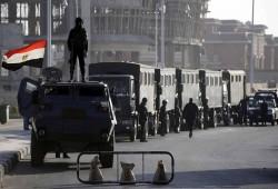 """ظهور 15 مختفيا قسريا واعتقالات مستمرة بـ""""العاشر"""" وتجديد حبس 8 أطباء وصحفي"""
