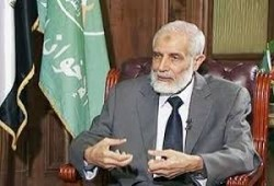 نجل الرئيس مرسي: الدكتور محمود عزت كان حبيب أبي وأستاذي