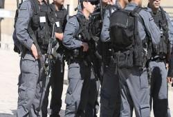 فلسطين| اعتقال 3 واستمرار إضراب 5 أسرى ومطالبات بحملة شعبية ضد حصار غزة