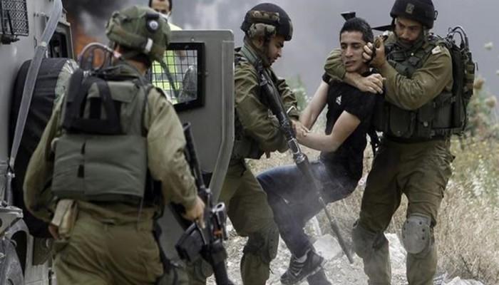 فلسطين المحتلة| دهس عامل واعتقالات واقتحامات
