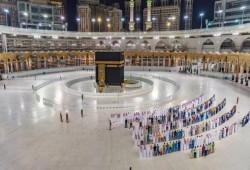 خلال أيام.. السعودية تتجه لإعلان فتح تدريجي لأداء العمرة