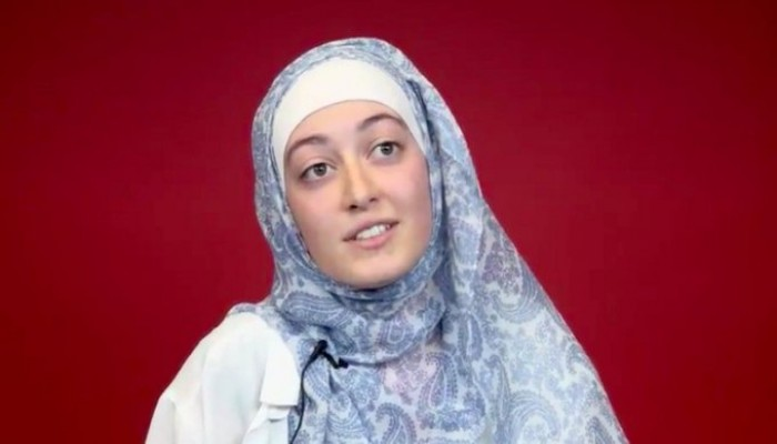 """مسلمة محجبة.. """"نواب"""" يغادرون اجتماعا لحضور رئيسة الاتحاد الوطني لطلبة فرنسا"""