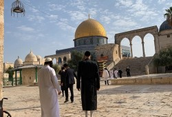 فلسطين المحتلة| اعتقالات وهدم قاعة أفراح بالضفة وتوغل واستهداف الصيادين بغزة