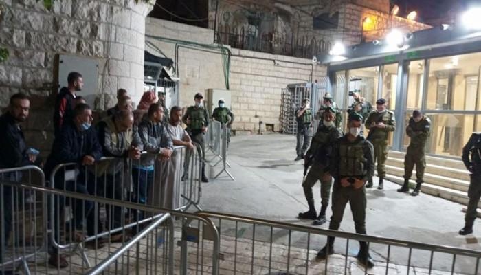 فلسطين المحتلة| اقتحامات للأقصى وغلق المسجد الإبراهيمي ومواجهات واعتداءات بالقدس