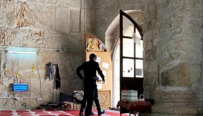 فلسطين المحتلة| مغتصبون يدنسون الأقصى واعتقالات ومواجهات بالضفة والقدس