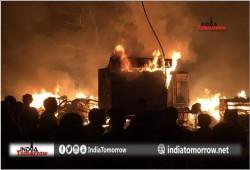 مع تحريض الحزب الهندوسي الحاكم.. هنود يحرقون متاجر مسلمي ولاية راجيستان