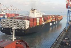 الربيع العربي| أول سفينة إماراتية إلى ميناء حيفا وأطفال بمشاهد ذبح بكنيسة مصرية