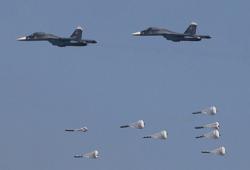 استشهاد وإصابة 17 في غارات جوية روسية في إدلب وحلب