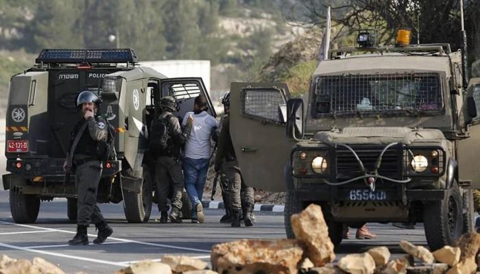 فلسطين المحتلة| مداهمات ومواجهات واعتقالات وهدم منازل بالضفة والقدس
