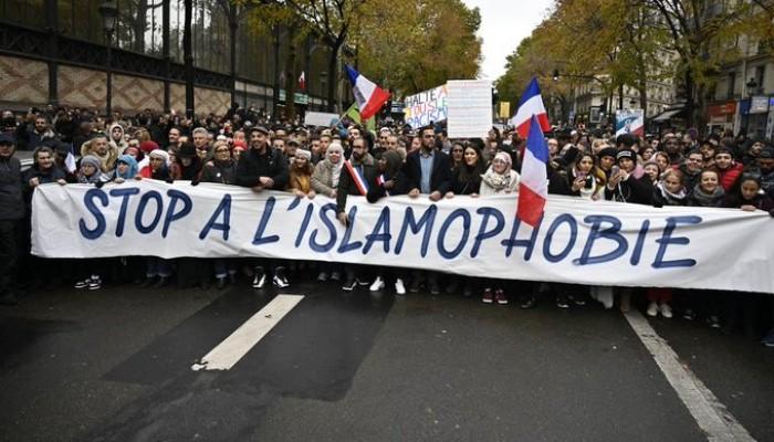 فرنسا.. رسائل تهديد للمسلمين على المساجد وتطاول من برلمانيين