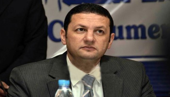 إدانات لمنع الزيارة عن د. باسم عودة ورسالة باكية لمعتقلة واعتقال 3 بالشرقية