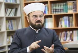 """""""القرة داغي"""" يستهجن انصراف """"كبار علماء"""" السعودية عن فرنسا ونعتها للإخوان بـ""""الإرهاب"""""""