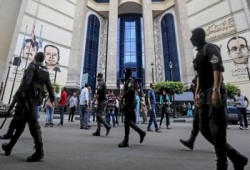 مطالبات بالإفراج عن الصحفيين المعتقلين ومأساة للمعتقلين بالعقرب