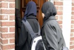 محكمة سويدية تلغي قرار حظر اراتداء الحجاب في المدارس