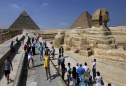 أعداد السائحين الوافدين إلى مصر تسجل تراجعا بأكثر من 70% في 2020