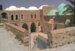 مستوطنون صهاينة مسلحون يقتحمون مقام النبي موسى عليه السلام