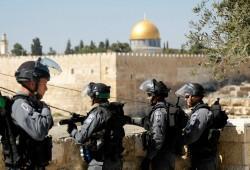 للجمعة الثانية على التوالي.. قوات الاحتلال تمنع فلسطينيين من الصلاة بالأقصى