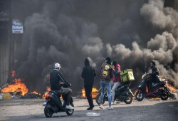 العراق.. مظاهرات الناصرية نحو التصعيد ولا تثق بالوعود الحكومية