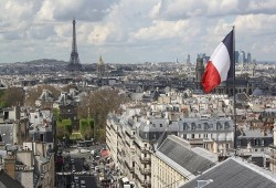 """فرنسا.. التحقيق في دعم الإمارات لحزب """"لوبان"""" اليميني المتطرف"""