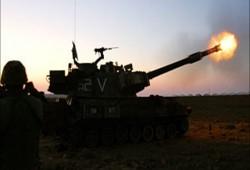 غزة.. مدفعية العدو الصهيوني تجدد قصفها لخان يونس