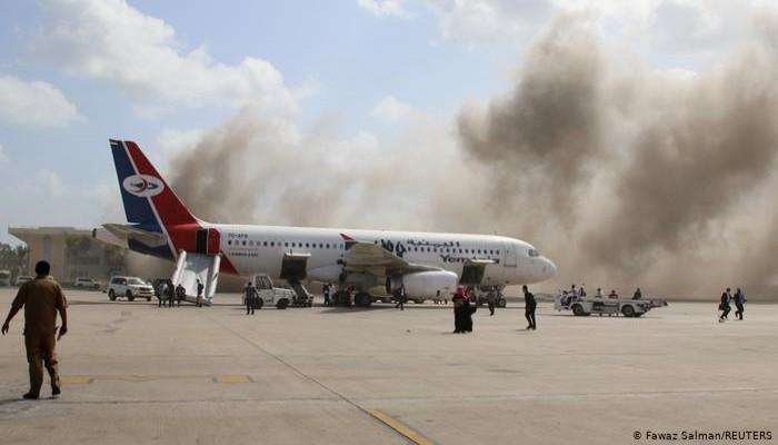 الداخلية اليمنية: ميليشيا الحوثي وراء إطلاق الصواريخ على مطار عدن