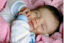 معلومات ومهارات مهمة للتعامل مع نوم الأطفال