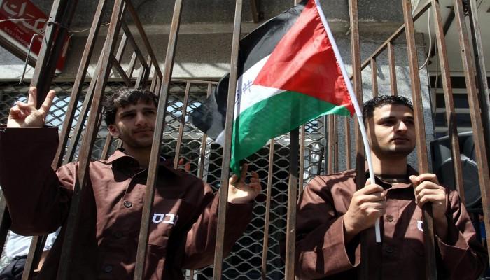 الاحتلال الصهيوني يتعمد زيادة عدد الأسرى المصابين بكورونا