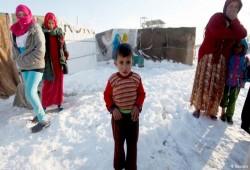 وسط مناشدات بالإغاثة.. الأمطار تضرب مخيمات النازحين السوريين بإدلب
