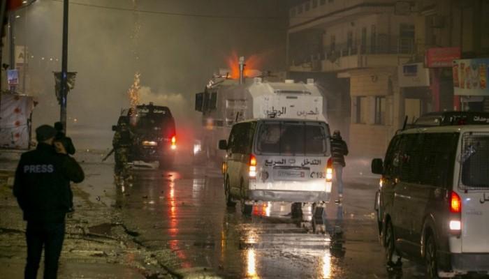 """رئيس الحكومة التونسية يصف التحركات الليلية بأنها """"غير بريئة"""""""