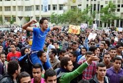 طلاب مصر.. تاريخ طويل من مواجهة الاستبداد وانتقام السلطة