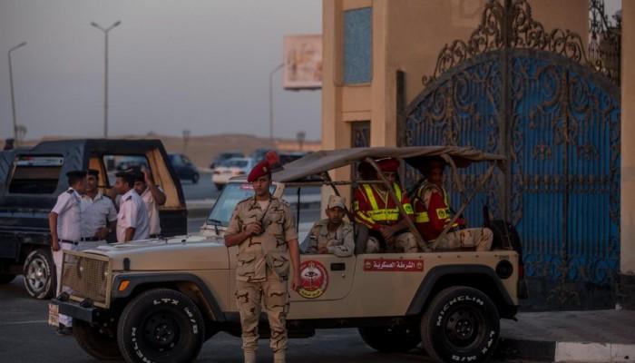 عصابة الانقلاب تواصل التنكيل بضباط الجيش المحتجزين بالسجن الحربي