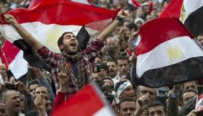 في ذكراها العاشرة.. وسوم ثورة 25 يناير تتصدر مواقع التواصل