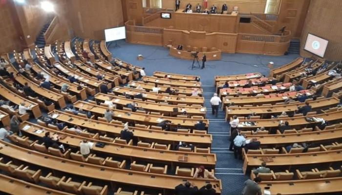 تونس.. البرلمان يمنح الثقة للتعديل الحكومي