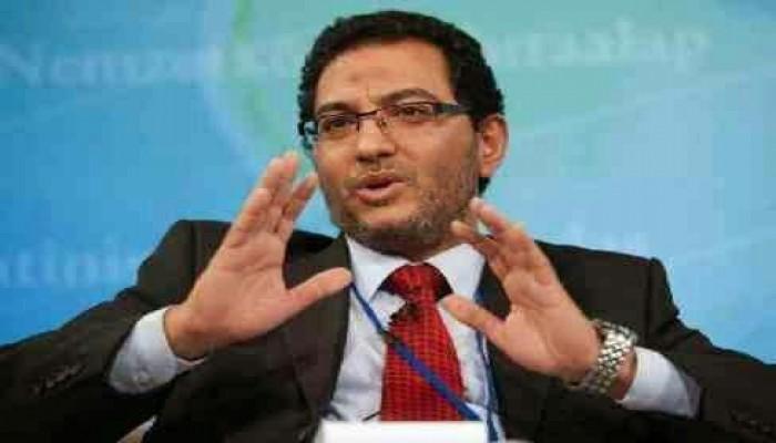 قضاء الانقلاب يدرج الدكتور عبد الله شحاتة و20 آخرين على قوائم الإرهاب