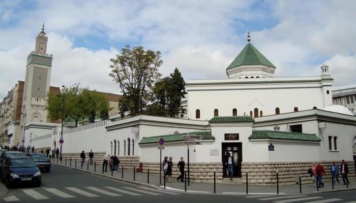 فرنسا.. حرب ثقافية جديدة لتبرير قمع المسلمين