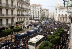 مظاهرات حاشدة في الجزائر تعيد ذكرى حراك 22 فبراير
