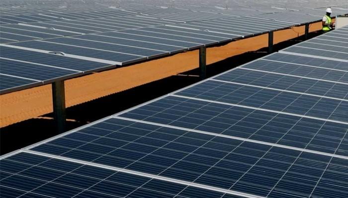 شركة صهيونية تساهم في صيانة منشآت للطاقة الشمسية بأسوان