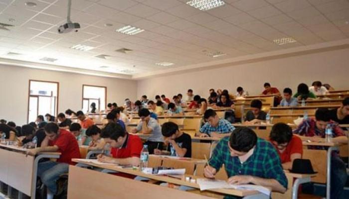 تصاعد الاحتجاجات على الامتحانات الجامعية ومصلحة التسجيل العقاري