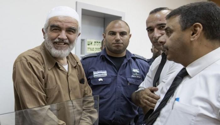 العدو الصهيوني يسعى لتمديد عزل الشيخ رائد صلاح
