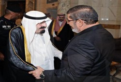 """نشطاء يردون على كِذْبَة السفير السعودي السابق: """"شفيق"""" أول من هنأ الرئيس مرسي"""""""
