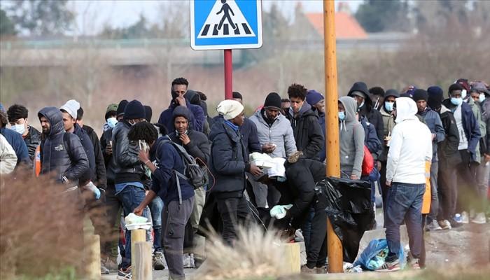 """ترفضهم فرنسا.. مهاجرو """"كاليه"""" يكافحون ضنك العيش وبرد الشتاء"""