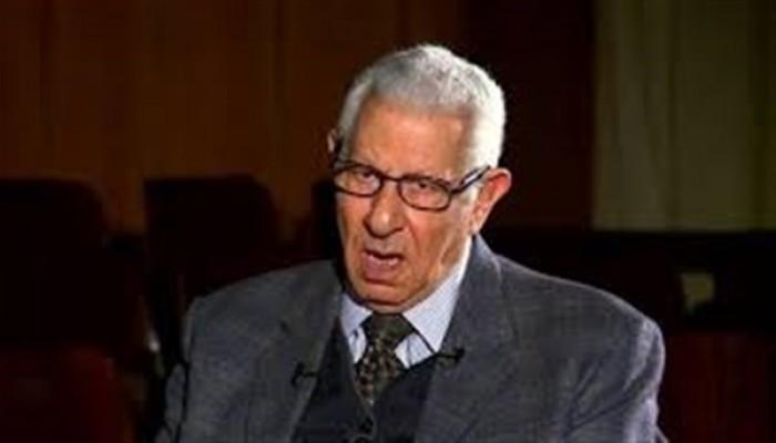 وفاة الكاتب الصحفي مكرم محمد أحمد