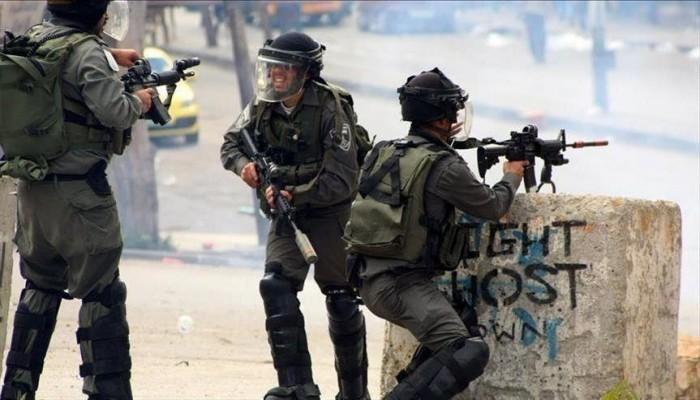 إصابة فلسطينيين خلال تفريق جيش الاحتلال مسيرات بالضفة