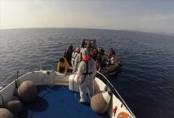 تركيا.. خفر السواحل ينقذ 59 طالب لجوء أعادتهم اليونان