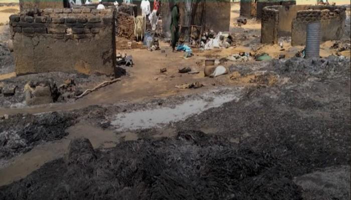 السودان.. المراقب العام للإخوان يدعو لإغاثة إحدى قرى درافور بعد حريق مدمر