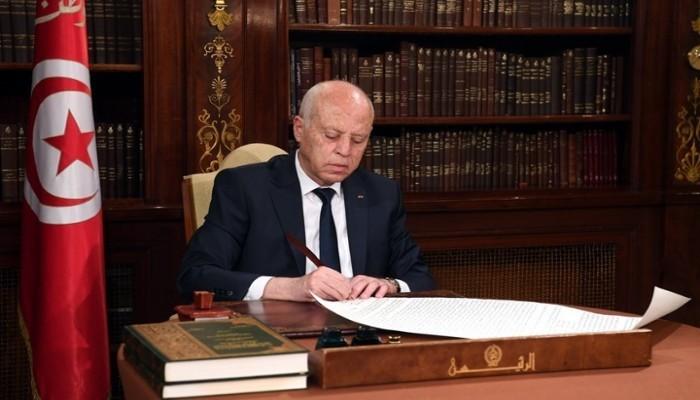 تونس.. قيادي بالنهضة: الرئيس يركب شماعة الفساد ليطيح بالديمقراطية