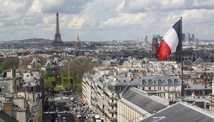 الخطاب السياسي والإعلامي في فرنسا يؤجج الإسلاموفوبيا