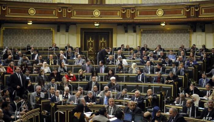خطوة فاشية تزيد الانقسام.. قانون الشك يشعل الجدل في مصر