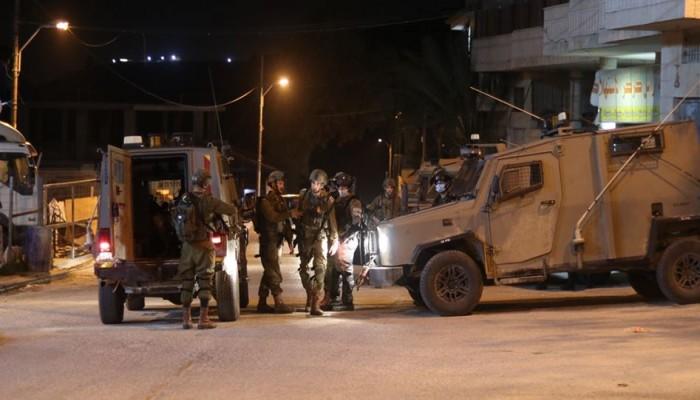 الاحتلال الصهيوني يحاصر منزل البطل منتصر شلبي ويقيسه لهدمه
